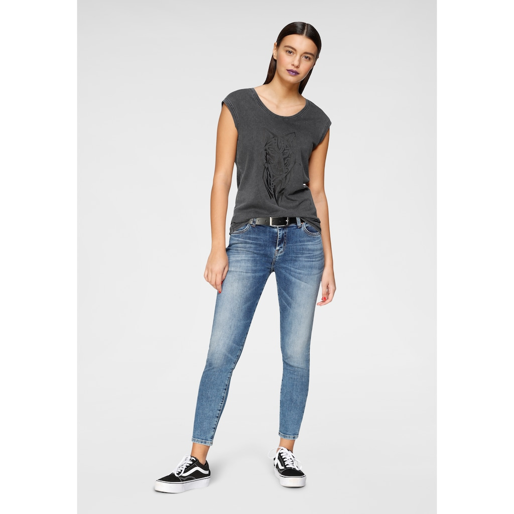 AJC T-Shirt, in coolem acid-washed-Look mit Placement-Print