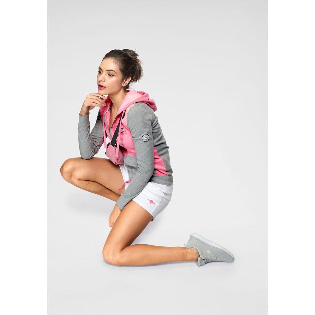 KangaROOS Sweatshorts, mit kontrastfarbener Kordel und kleinem Label-Print