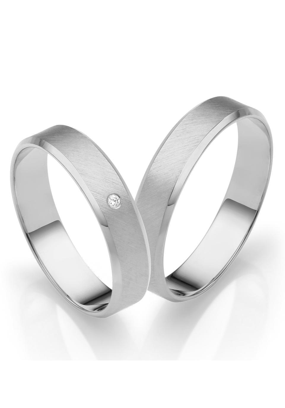 Firetti Trauring mit Gravur »Diagonal gebürstet, seitlicher Diamantschnitt«   Schmuck > Ringe > Ringe mit Gravur   FIRETTI