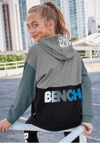 Bench. Kapuzensweatshirt, in sehr weiter Form kaufen