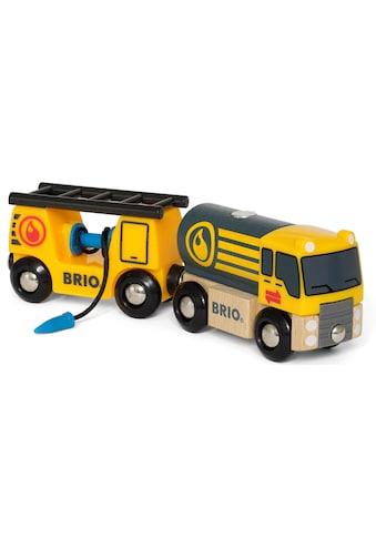 BRIO® Spielzeug-LKW »BRIO® WORLD Tankwagen mit Anhänger«, für Spielzeugeisenbahn, FSC®-Holz aus gewissenhaft bewirtschafteten Wäldern kaufen
