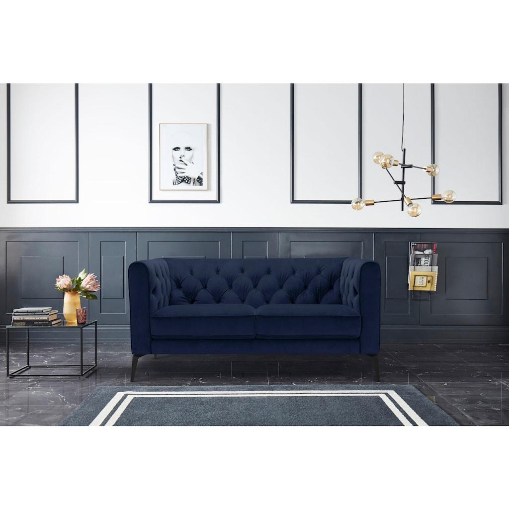 Leonique Chesterfield-Sofa »Namarda«, mit dekorativer Knopfheftung im Rückenteil und an den hohen Armlehnen, mit schlanken Metallbeinen, im Chesterfield-Design