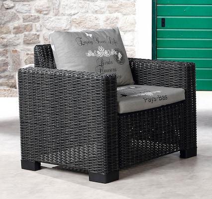 Loungesessel aus Polyrattan mit Sitz- und Rückenpolster
