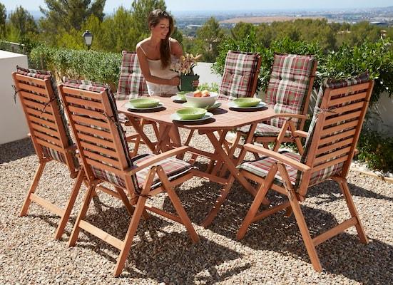 Gartenmöbel-Set aus Holz