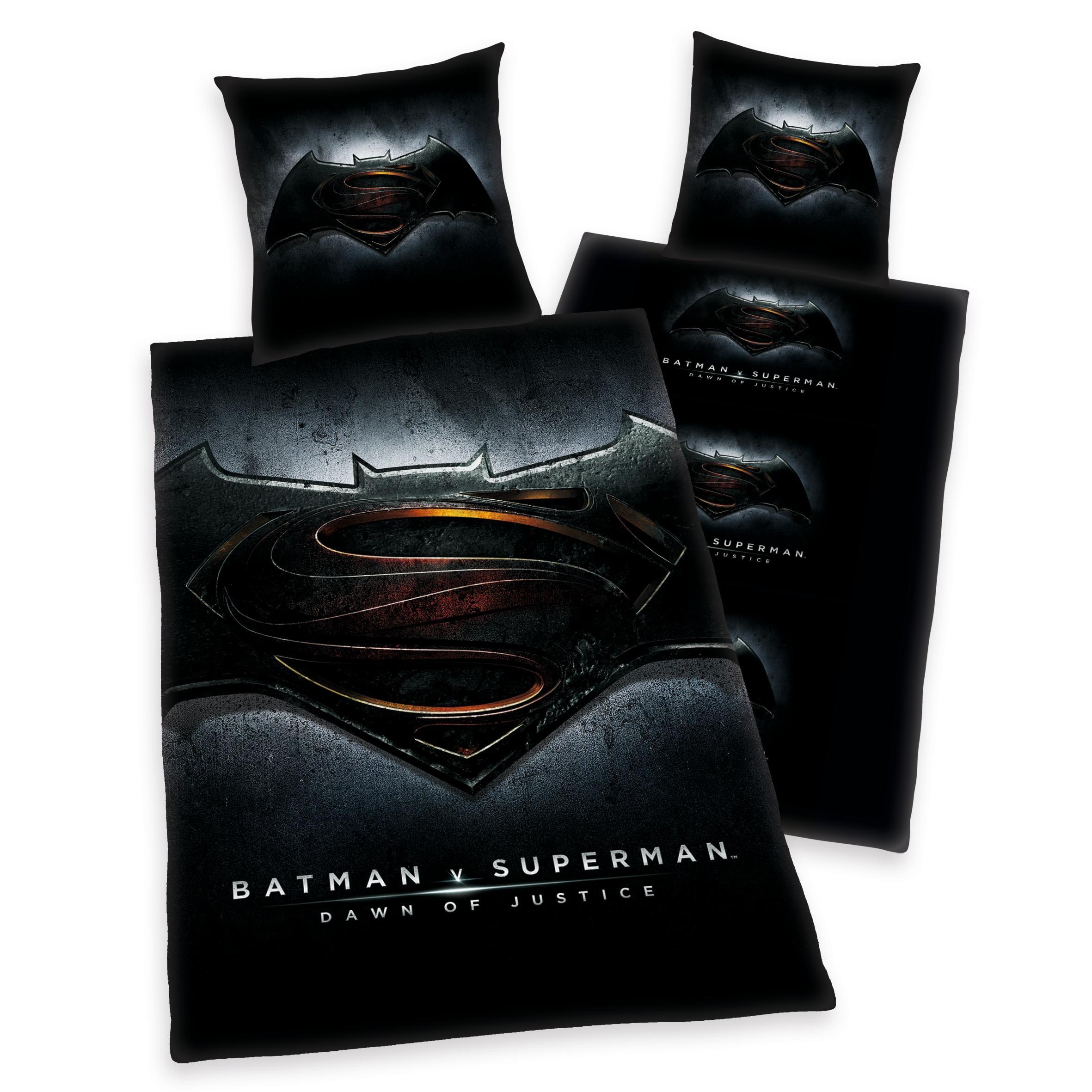 Jugendbettwäsche, Batman vs Superman, »Beginn der Gerechtigkeit«, mit Batman & Superman Logo | Kinderzimmer > Textilien für Kinder > Kinderbettwäsche | Schwarz | Microfaser | QUELLE