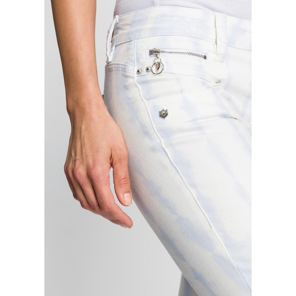 Freeman T. Porter 5-Pocket-Hose »Alexa Heaven«, in Batik Design mit abgerundeten Taschen für einen tollen Knack-Po