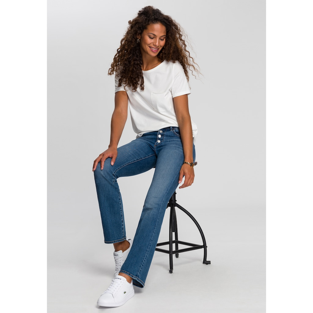 s.Oliver Bootcut-Jeans »Betsy«, mit coolem Button Fly
