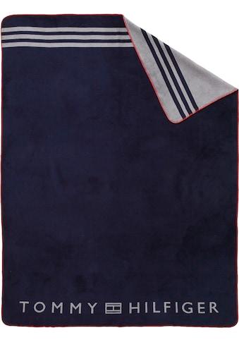 Tommy Hilfiger Plaid »Fleece«, mit großem Logodruck kaufen