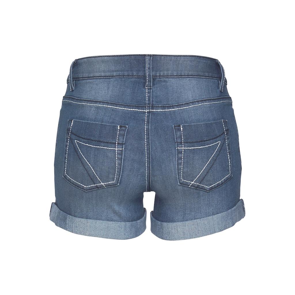 Arizona Jeansshorts »Kontrastnähte«, Mid Waist - als Shorts oder Bermuda tragbar
