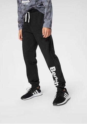 Bench. Sweathose, mit großem Logo-Druck und Nahttaschen kaufen